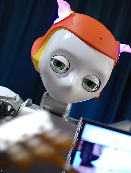 Meka_Robotics_S2