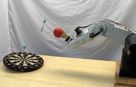 robot_flechettes_panniers_bowling