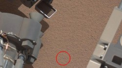 nasa-curiosity-objet-brillant