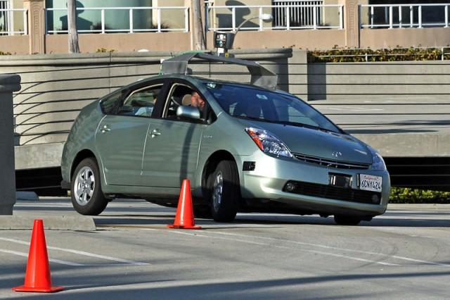 Google car sans conducteur en action.