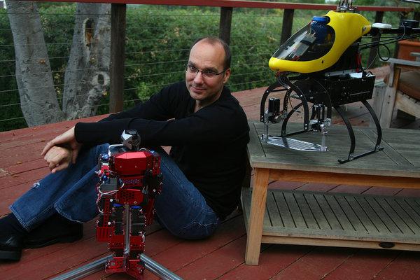 Andy Rubin est l'ingénieur à la tête du secteur robotique de chez Google, après avoir lancé Android.