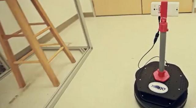 Robot de téléprésence doté du smartphone Tango de Google.