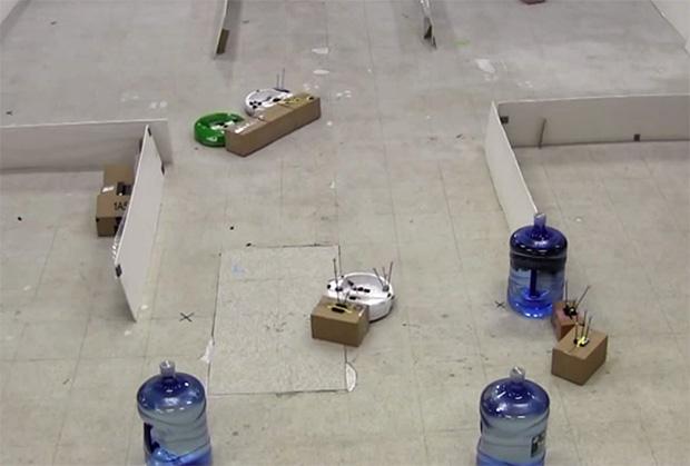 Les robots du MIT collaborent pour réussir à executer leurs tâches chez vous.