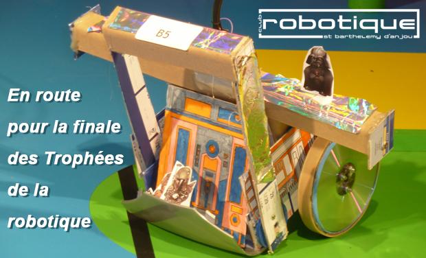 Un robot réalisé par des élèves d'école primaire pour les Trophées de la robotique.
